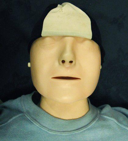 塞纳河畔无名少女的死亡面具:世界上第一个心脏复苏模型就是模仿她的……